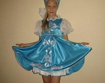 Russian Folk Costume for Girl   Dress and Kokoshnik Halloween Costume