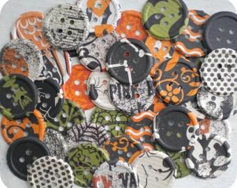Vintage Halloween Paper Buttons (40) Button Die Cut-Button Embellishment-Card Making Supplies-Button Punch Out-Paper Destash-Shabby Buttons