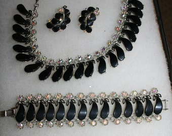 Necklace, Bracelet and Earrings Rhinestone and Black Lucite Parure Set Free Domestic Shipping