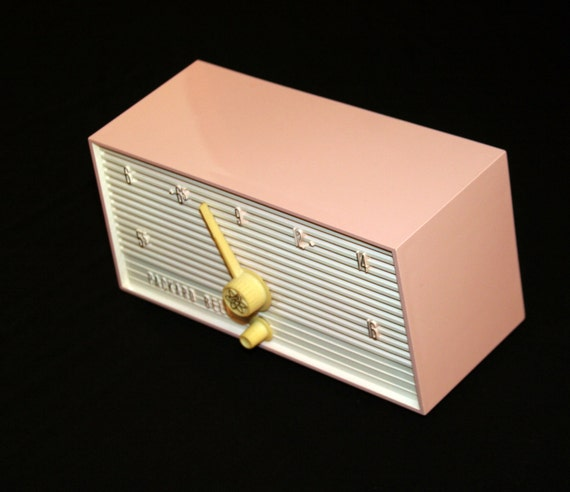 Vintage 1959 Pink and White Packard Bell AM Tube Radio Model 5R5
