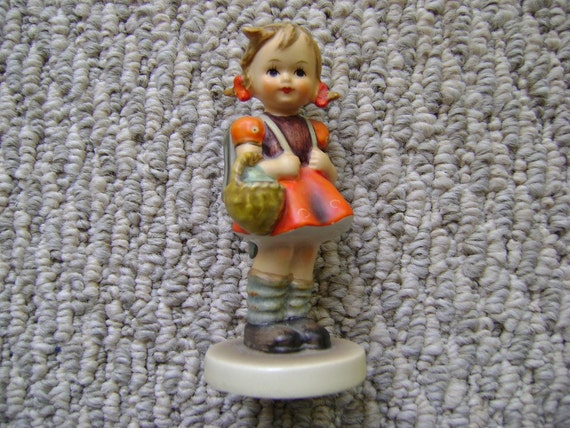 Hummel  School Girl Figurine 81 2/0 Trademark 3 Goebel