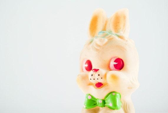Smiley & Sweet Vintage Bunny Rabbit Wind Up Toy