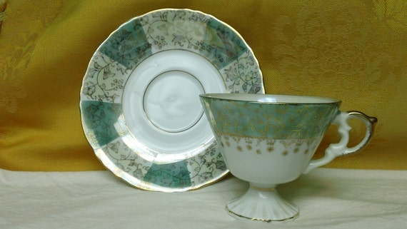 Vintage NAPCOWARE 7215 Tea Cup and/with Saucer China Set Japan Mint Sage Green Gold Trim White