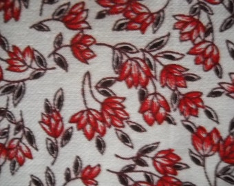 Charming cotton print fabric - red flowers and chocolate brown leaves stylized floral design - fat quarter
