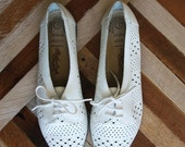 VIntage Woven Oxford Shoes - Size 7