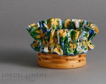Blue, White, and Yellow Daisies Basket Garter