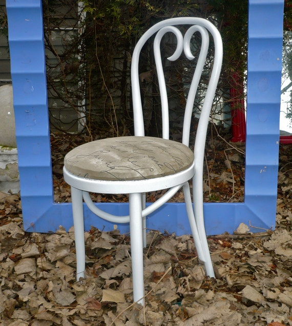 Vintage Bentwood Chair French Country w Sweetheart Back