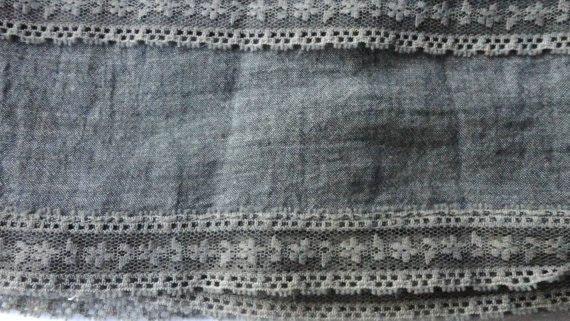 Vintage cotton border in grey with vintage lace
