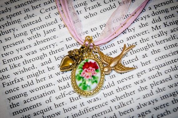 Jane Austen Pride and Prejudice Pemberley Gardens Necklace: Pink