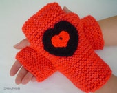 chunky knit Fingerless gloves sheep wool Hand Warmers soft kid mohair black red color Womens crochet heart