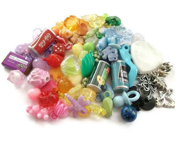 100 Gumball Charms, Kitsch Kawaii Rainbow Colorful Plastic Beads