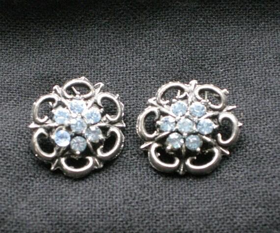 Vintage Blue Rhinestone Clip Earrings Periwinkle and Silver Metal Vintage Fashion Jewellery