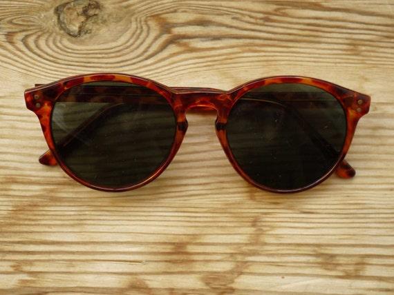 Vintage 90s Sunglasses // Round Tortoise-shell Sunnies