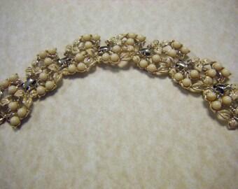Stunning Vintage CORO Gold Tone Pearl Bracelet