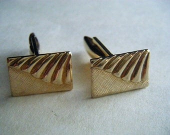 VINTAGE CUFF LINKS Gold Tone