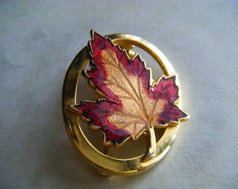 LEAF Brooch Vintage Goldtone