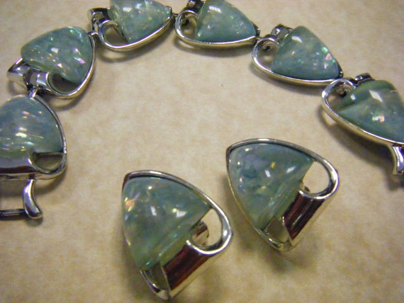 Vintage CORO Confetti Lucite Bracelet and Earrings Set