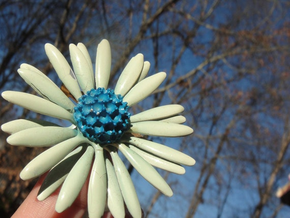 Vintage Retro Pale Green Blue Flower Brooch Pin