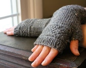Knit Fingerless Gloves with Lattice Design / Lateral Braid Gray Tweed