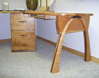 Gateway Arch Desk