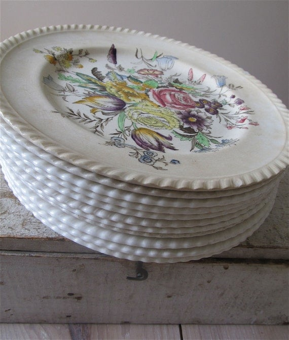 Vintage Garden Bouquet 9 Inch Plates, Floral Reserved for Betanney