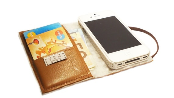 "iPhone leather wallet ""FURLICIOUS"""