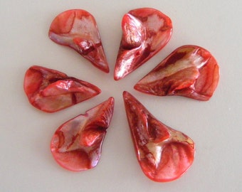 079- Freshwater shell beads, dyed firebrick,  31-37mm long, 22-28mm wide (8 pcs)