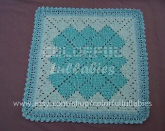 SIMPLICITY. Crocheted baby blanket