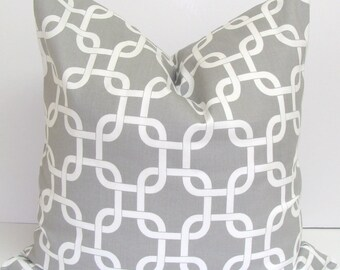 GRAY PILLOW.16x16 inch.Pillow Cover.Decorative Pillow Cover.Gray Pillow.Grey Pillow.Throw Pillow.Grey Pillows.Chainlink.Geometric.Cushion.Cm