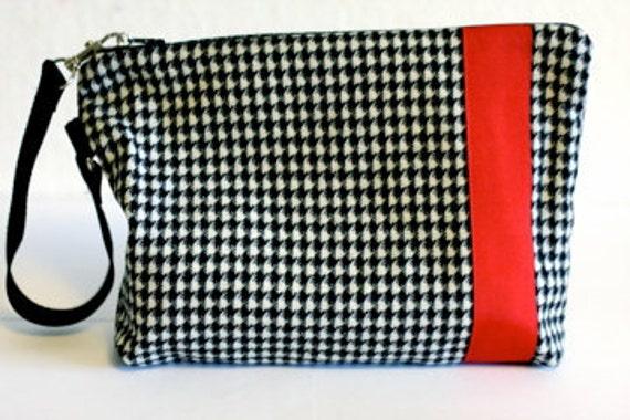SALE 25% off Code RainyDays  Urban  Zipper Wristlet Bag-Vintage Wool Appliqued Red Ribbon