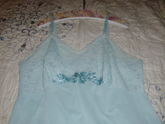 Sale  Lower Price  Vintage Blue Full Slip Average 36 Lace Top