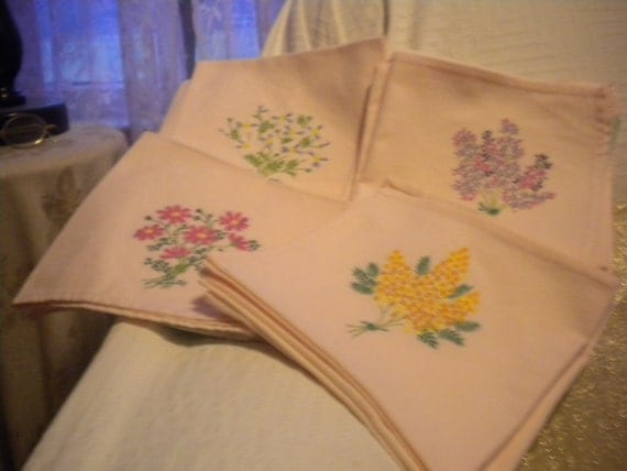 Vintage Pink  Embroidered Napkins,linens,cottage,cottage chic,french country,victorian,table linen,embroidered flowers.