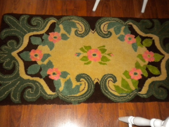 SALE,SALE,SALE..Vintage Hooked Rug,cottage, cottage chic, shabby chic, french country
