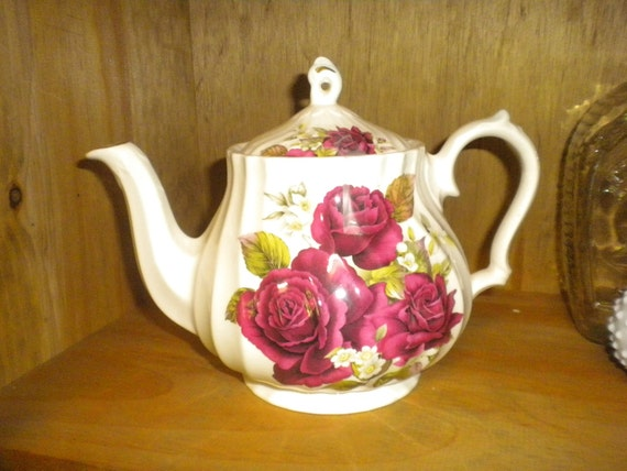 Cabbage Rose Teapot,French Country,Shabby chic,Cottage,Cottage chic