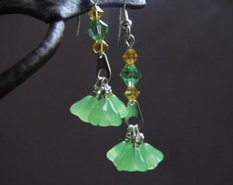 Green Flower Earrings, Green Crystal Earrings, Yellow Crystal Earrings, Dangle earrings, Swarovski Earrings, Yellow Green Dancing Earrings