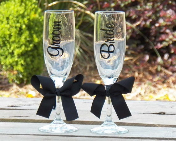 Bride & Groom Champagne Toasting Flute Glass Set  for Wedding