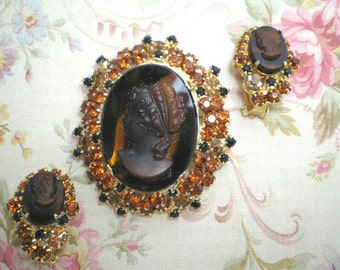 D&E aka Juliana Topaz Cameo Brooch/Earrings   ITEM No: 15149