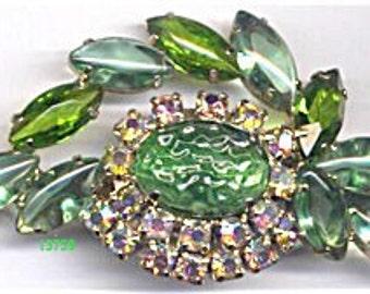 ON SALE Green Unfoiled Open Back Brooch   Item No: 13759