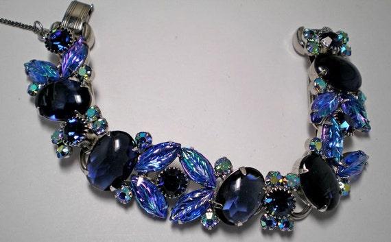 D&E aka Juliana Blue Cabachon and Leaves Bracelet  ITEM NO: 15474