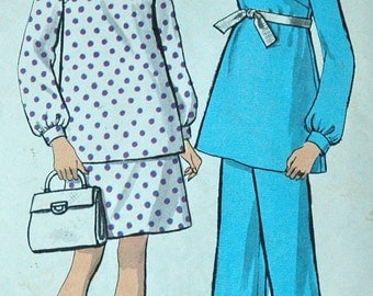 1960's Vogue Maternity Top, Skirt and Pants Pattern - Bust 34