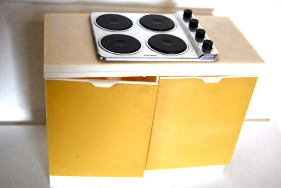 Vintage Sindy Doll Kitchen Stove Doll House Furniture