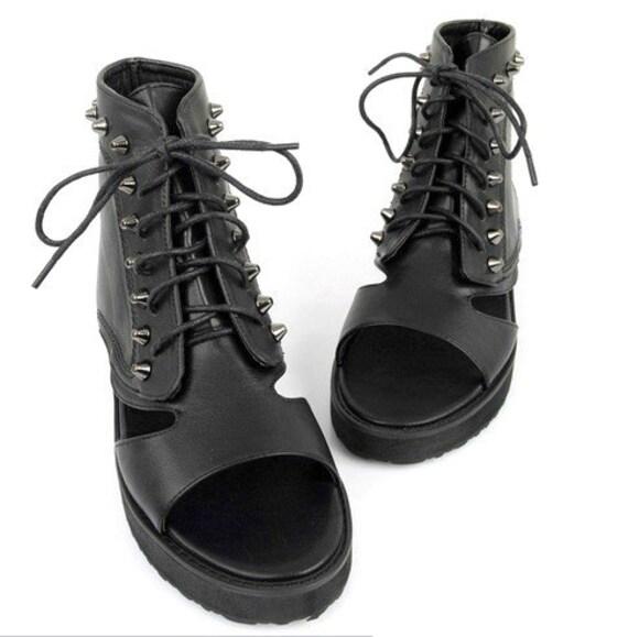 Black Rivet Studded Buckle Flatforms Flat Platform Sandal Cut Out Boots 7 7.5 Vegan Leather 90s Grunge Goth Cyber Punk Lace Up Stud Spike