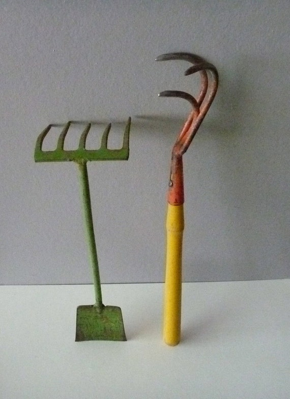 Early vintage gardening tools set best old paint by for Gardening tools vintage