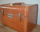 Train Case - Royal Traveller - vintage