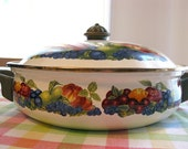 Lincoware 2 QT. Enamel Fruit Motif Pot w/  Matching Lid - Made in Taiwan