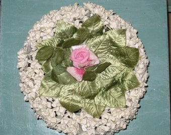 Vintage  Wesco White Flower Petal Hat with Pink rose and leaves on top of hat