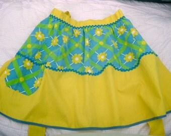 Vintage 1970s Bright & Merry Flower Apron
