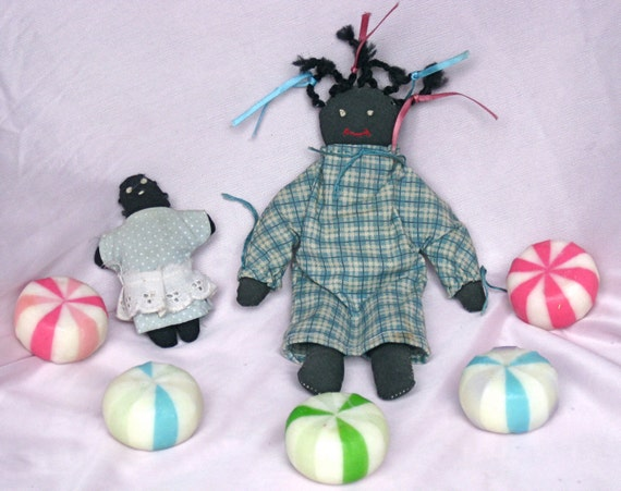 """vintage Handmade Little stuffed dolls 7.5 """" size Mama & a 3.5"""" baby. Mommy and her  Baby"""