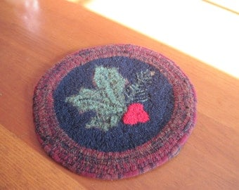 """Let Us Sing Winter Holly & Pine Finished Hooked Rug Chair Pad - 12"""""""