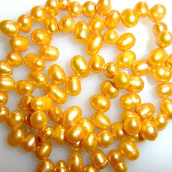 Fresh Water Pearl-Gold Destash 14 cents a Bead